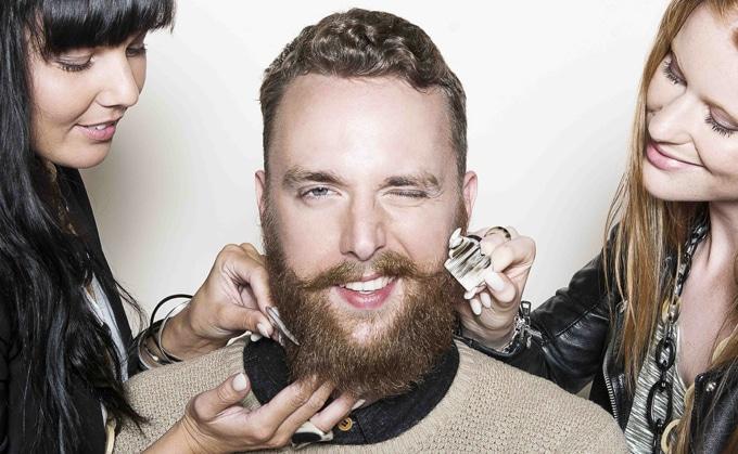 le peigne barbe un indispensable barbe du daron tondeuse barbe. Black Bedroom Furniture Sets. Home Design Ideas